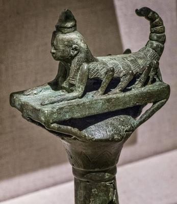 Богиня Серкет на навершии посоха