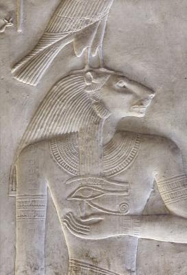 Древнеегипетский бог Нефертум. Барельеф в храме-гробнице Сети в Абидосе