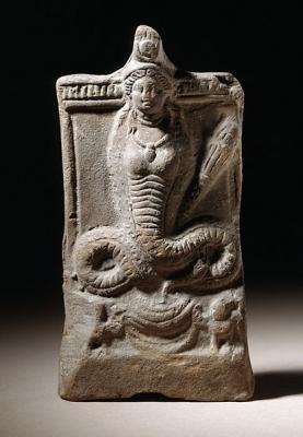 Изида-Термутис с телом кобры и факелом Деметры. Египет, II век н.э.
