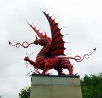 Красный уэльский дракон. Mametz Wood Memorial