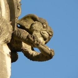 Добрый гремлин Гизмо в качестве горгульи Вифлеемской часовни (Сен-Жан-де-Буазо, Франция)