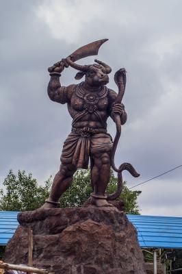 Махишасура. Современная скульптура