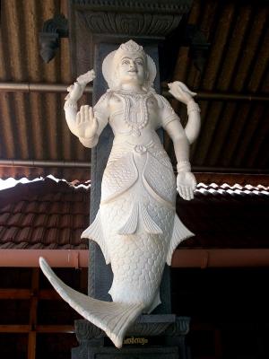 Скульптурное изображение первой аватары Вишну — русалкообразной Матсьи
