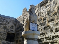 Статуя сфинкса в крепости Святого Петра в Бодруме