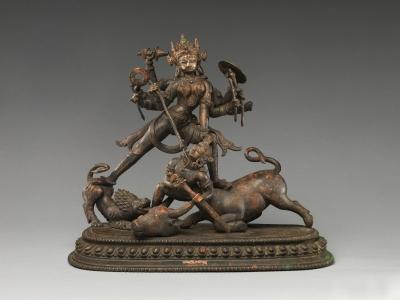 Статуэтка из Непала (XIV век), изображающая убийство Махишасуры Кали-Дургой