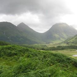 Глен-Итив — глен (речная долина) в Горной Шотландии, место обитания Фахана