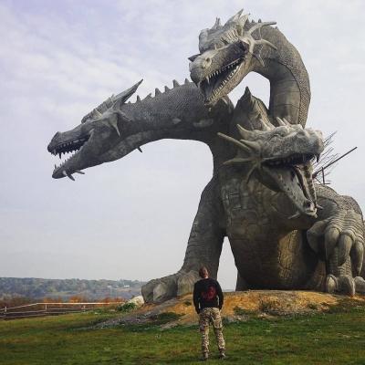 """Статуя Змея Горыныча в парке """"Кудыкина гора"""" под Липецком"""