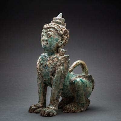Кхмерский терракотовый сфинкс-пурушамрига. 1200-1400 годы нашей эры