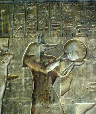 Бог Анубис. Барельеф храма Хатхор в Дейр эль-Медина