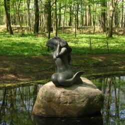 Статуя русалки в Несвиже