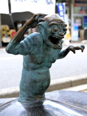 Уван. Скульптура на улице Шигеру Мизуки