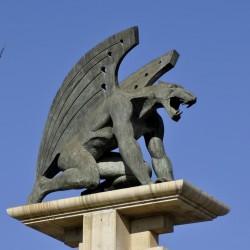 Стражи моста — статуи горгулий в испанской Валенсии