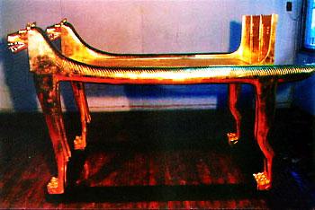 Стилизованное древнеегипетское ложе