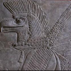 Ассирийский демон. Табличка-реконструкция из Пергамского музея