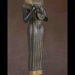 Баст в облике женщины с кошачьей головой. Современная реплика с античной статуи