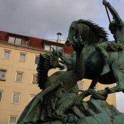 Берлинский дракон. Фрагмент скульптурной композиции