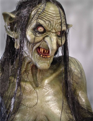"""Meg Mucklebones (Мэг Колючие Кости) из фильма Ридли Скотта """"Легенда"""" (1985), основанная на образе Дженни Зеленые Зубы"""