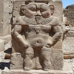 Бэс. Барельеф из храма в Дендере