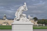 Геракл-dragonslayer в дворцовом парке Готтесауэ (Карслруэ)