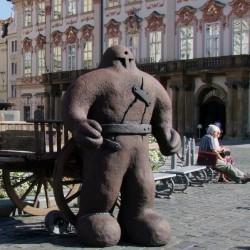 Пражский голем. Скульптура