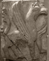 Барельеф. Грифон из храма Покрова на Нерли