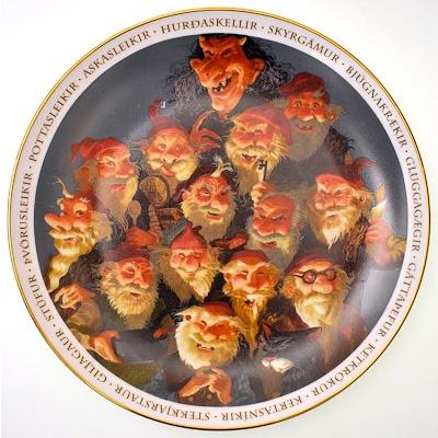 Йоласвейнеры и Грюла. Сувенирная тарелка из Исландии