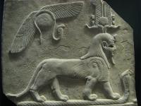Туту топчет кобру. Барельеф. Птолемеевский Египет (IV-III века до н.э.)
