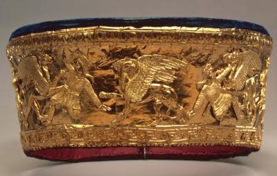 Аримаспы, сражающиеся с грифонами. Золотой калаф