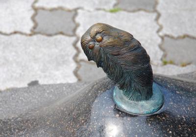 Кэукэгэн. Скульптура на улице Шигеру Мизуки