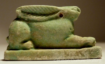 Фаянсовый амулет богини Унут-Венет в виде зайца